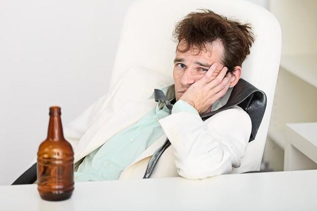 Как отрезвить пьяного человека: быстро, в домашних условиях