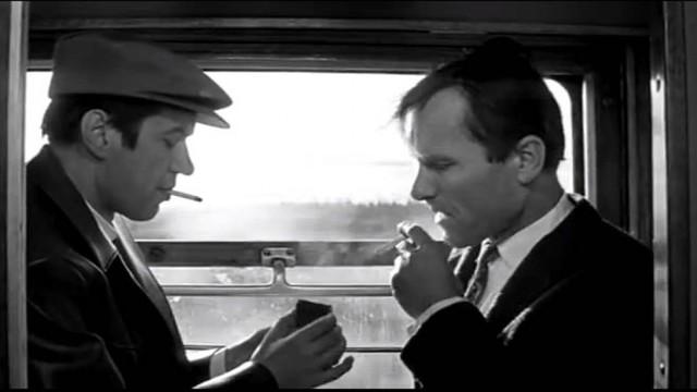 Как покурить в поезде: можно ли, тамбур, дальнего следования