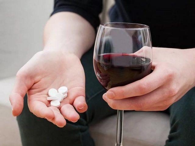Аугментин и алкоголь: совместимость, через сколько можно, последствия