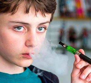 Курение подростков: электронных сигарет несовершеннолетними