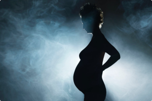 Курение при беременности: пассивное, кальяна, последствия