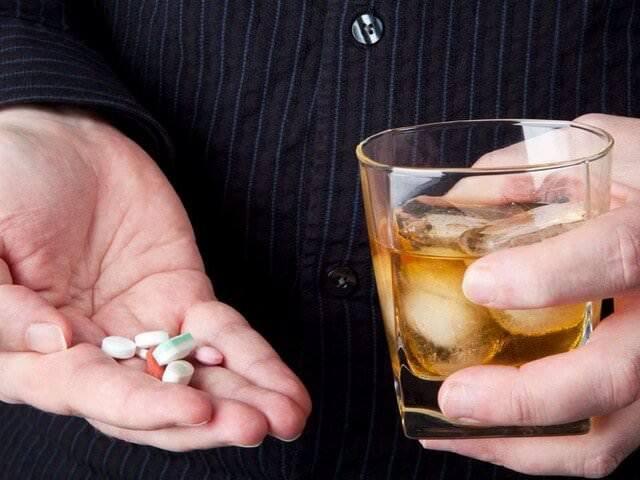 Баклосан и алкоголь: совместимость, через сколько можно, последствия