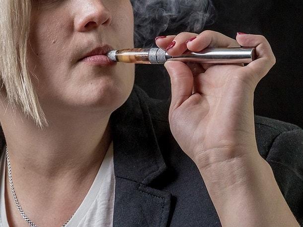 Почему после курения сигарет кружится голова и шатает, причины