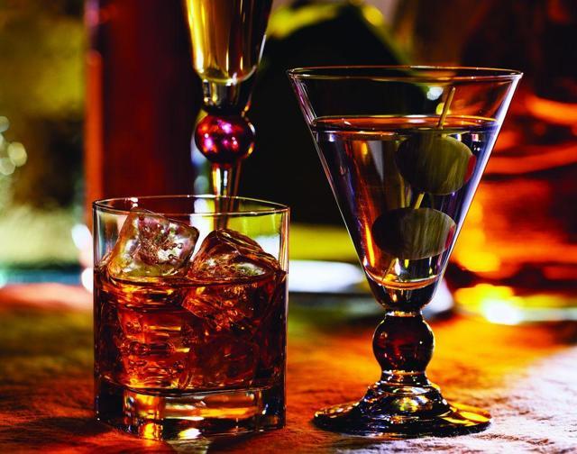 Как избавиться от тошноты после алкоголя: что делать, выпить