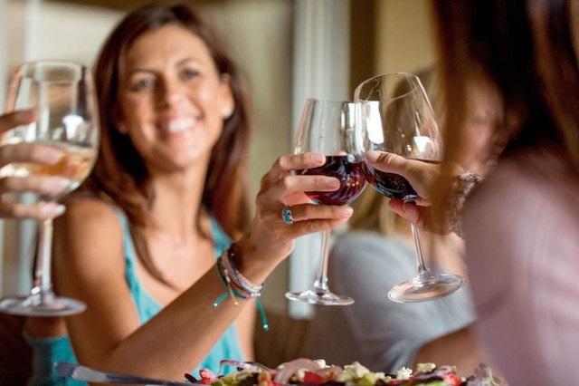 Достинекс и алкоголь: совместимость, через сколько можно, последствия