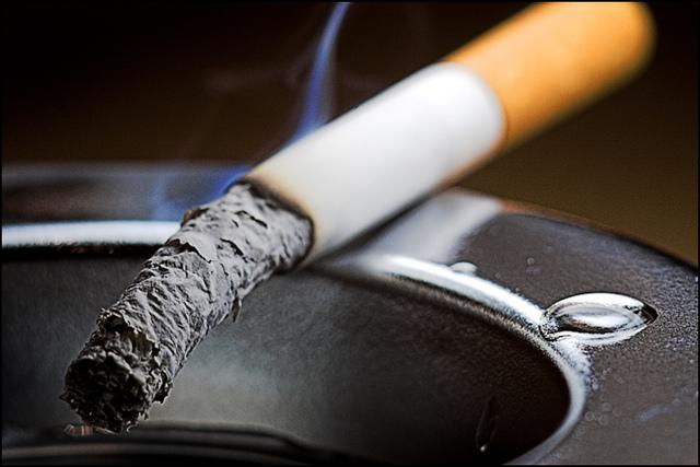 Почему люди курят: начинают курение, зачем, сигареты