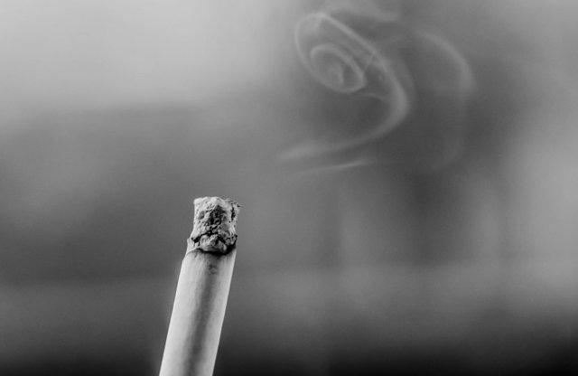 Заговор от курения: читать самому курильщику, в домашних условиях