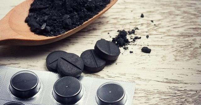Активированный уголь при похмелье: помогает, как принимать